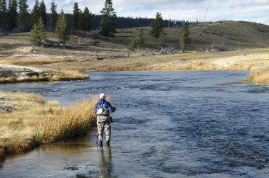 8 Great Tips on Choosing Fly Fishing Nets
